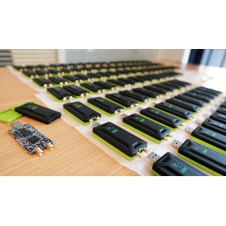 Sdr LimeSdr mini en boitier aluminium avec 2 antennes rf-market